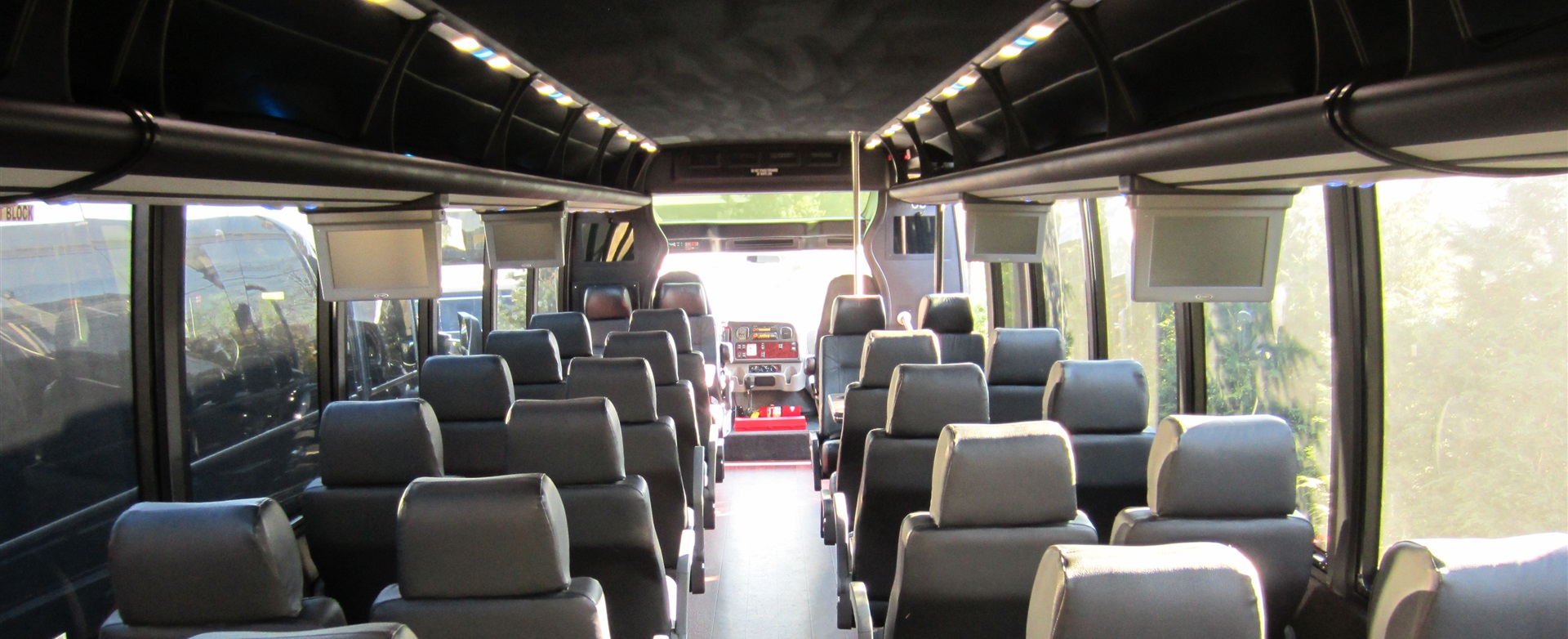 31 Passenger Shuttle Bus